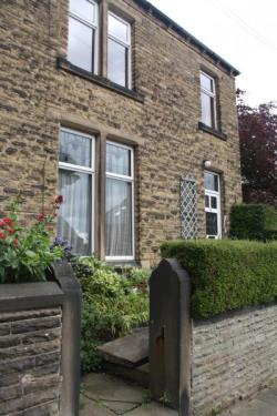 Terraced House For Sale Almondbury Huddersfield West Yorkshire HD5