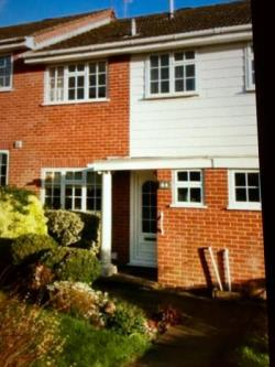 Terraced House To Let Hartley Wintney Hook Hampshire RG27