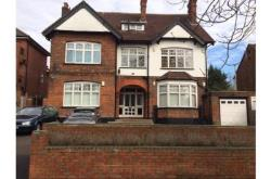 Flat To Let Hatch End Pinner Middlesex HA5