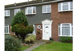 Terraced House To Let  STAINES-UPON-THAMES Surrey TW18