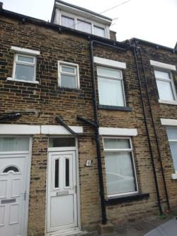 Terraced House To Let Sticker Lane Bradford West Yorkshire BD4