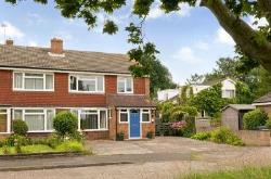 Semi Detached House To Let  Ashford Kent TN26