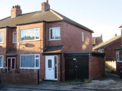Semi Detached House To Let  Leeds West Yorkshire LS12