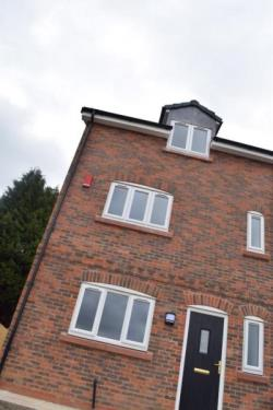 Semi Detached House To Let Helsby Frodsham Cheshire WA6