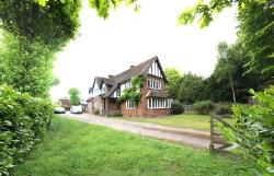 Detached House To Let  Guildford Surrey GU4