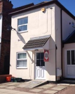 Semi Detached House To Let  Cleethorpes Lincolnshire DN35