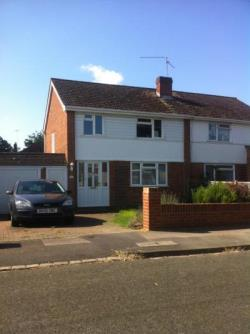Semi Detached House To Let Woodley Reading Berkshire RG5