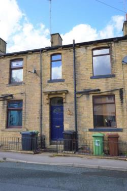 Terraced House To Let Farsley Pudsey West Yorkshire LS28