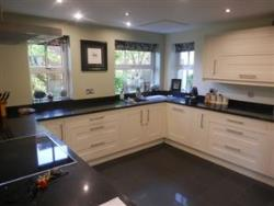 Detached House To Let  Northampton Northamptonshire NN4