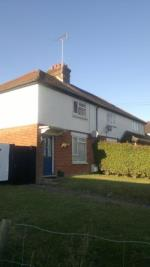 Semi Detached House To Let  Hook Hampshire RG29