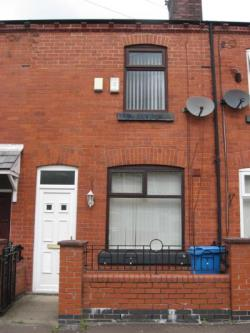 Terraced House To Let  Manchester Greater Manchester M40