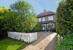 Semi Detached House To Let  Ruislip Middlesex HA4