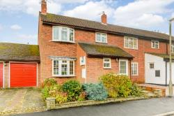 Detached House To Let  Hemel Hempstead Hertfordshire HP3