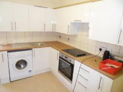 Flat To Let  Aldershot Surrey GU12