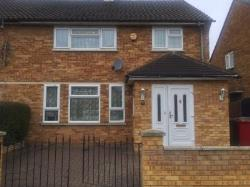 Semi Detached House To Let  Slough Berkshire SL3