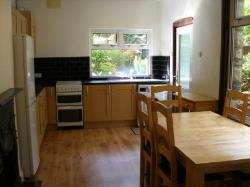 Terraced House To Let  London Greater London N22