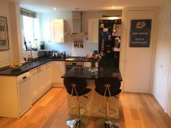 Terraced House To Let  London Greater London SW11
