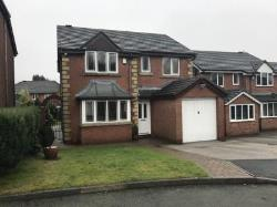 Detached House To Let  Oldham Greater Manchester OL2