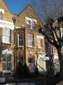 Terraced House To Let  London Greater London N16