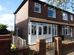 Semi Detached House To Let  Ashton-under-lyne Greater Manchester OL6