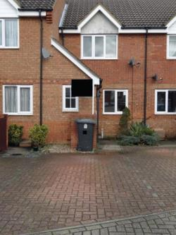 Terraced House To Let  Bedford Bedfordshire MK43