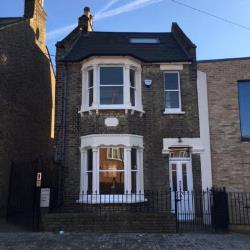 Detached House To Let  London Greater London SW18