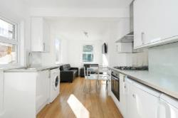Terraced House To Let  London Greater London N4