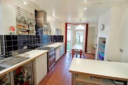 Terraced House To Let  London Greater London E5