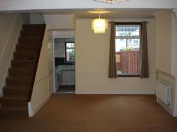 Terraced House To Let  Gravesend Kent DA11