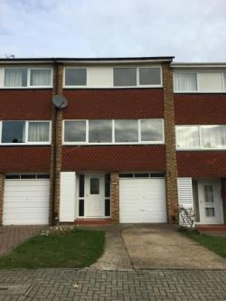Terraced House To Let  Orpington Kent BR6