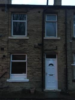 Terraced House To Let  Brighouse West Yorkshire HD6