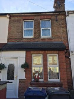 Terraced House To Let  Southall Middlesex UB2