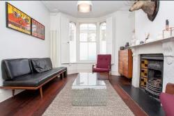 Terraced House To Let  London Greater London E3
