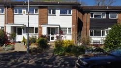 Semi Detached House To Let  Pinner Middlesex HA5