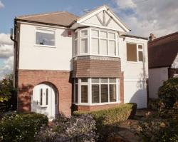 Detached House To Let  Epping Essex CM16