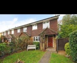 Semi Detached House To Let  Windlesham Surrey GU20