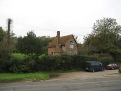 Detached House To Let  Marlow Buckinghamshire SL7