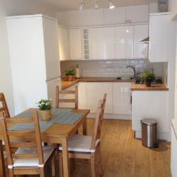 Terraced House To Let  London Greater London SW15