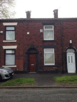 Terraced House To Let  Oldham Greater Manchester OL4