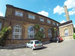 Flat To Let  Romford Essex RM2