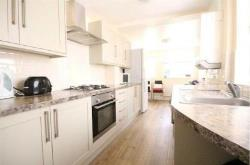 Terraced House To Let  Uxbridge Middlesex UB8