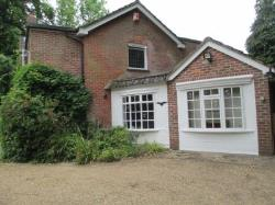 Detached House To Let  Verwood Dorset BH31