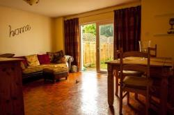 Terraced House To Let  Camberley Surrey GU16