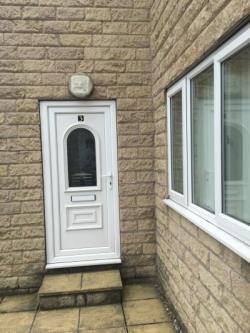 Semi Detached House To Let  Pontefract West Yorkshire WF9
