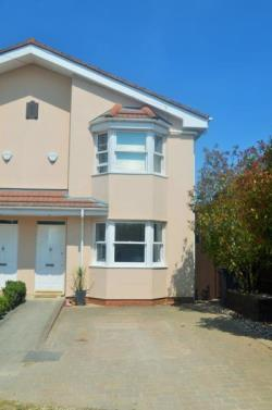 Semi Detached House To Let  Bishop's Stortford Hertfordshire CM23