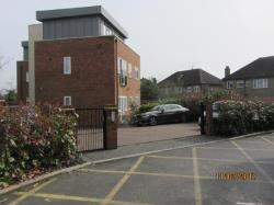Flat To Let  Northwood Hertfordshire HA6