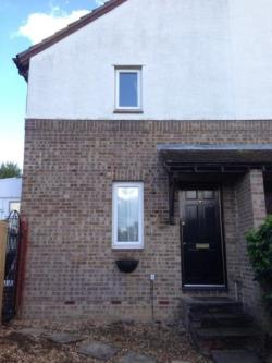 Terraced House To Let  Uxbridge Middlesex UB9
