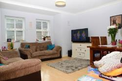 Maisonette To Let  Brentwood Essex CM14