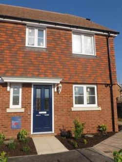 Terraced House To Let  Rochester Kent ME3