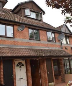 Maisonette To Let  Isleworth Middlesex TW7